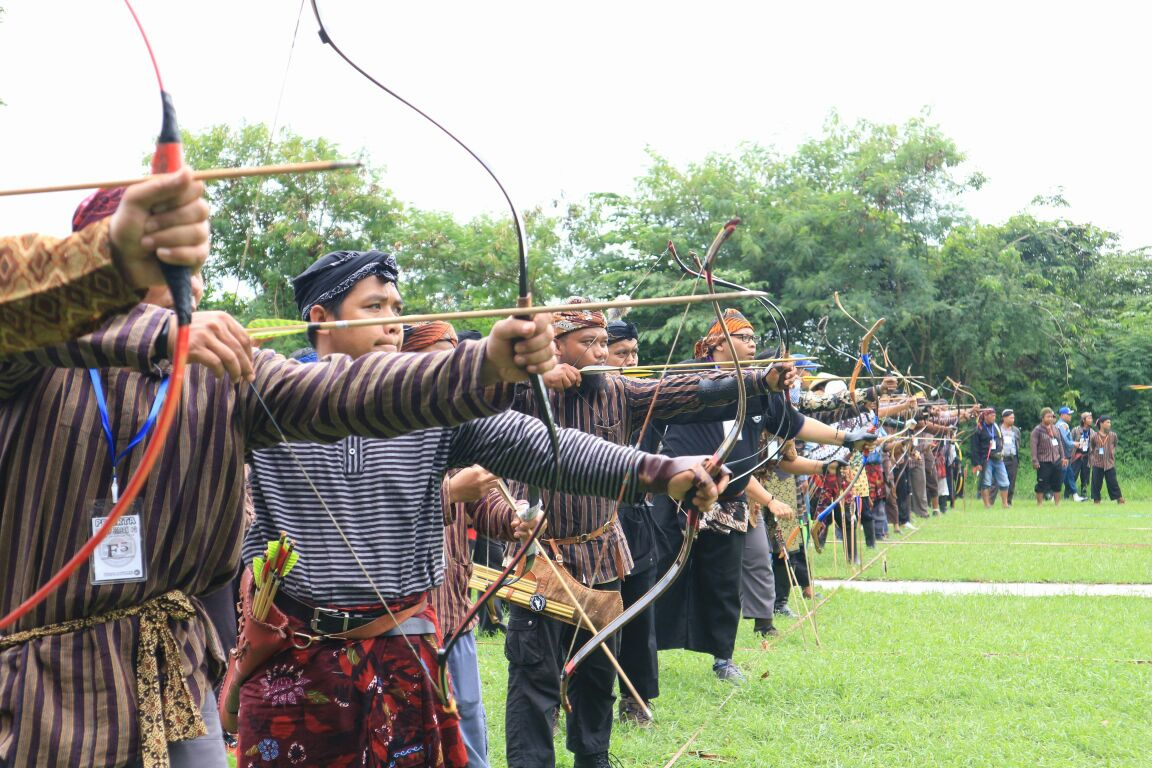 BRIGIF-1 Marinir Gelar Lomba Seni Memanah Tradisional Horsebow